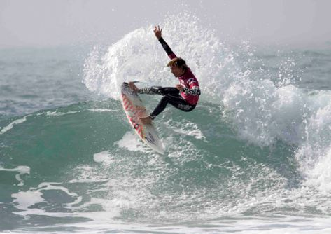 Recently crowned ASP Africa Pro Junior men's champion Chad du Toit in action during the final event of 2009 - Photo: Moonrocket / Billabong