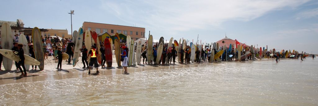 Some of the 443 surfers who lined up to break the Guinness World Record at Earthwave in Muizenberg - Photo: Lee Slabber