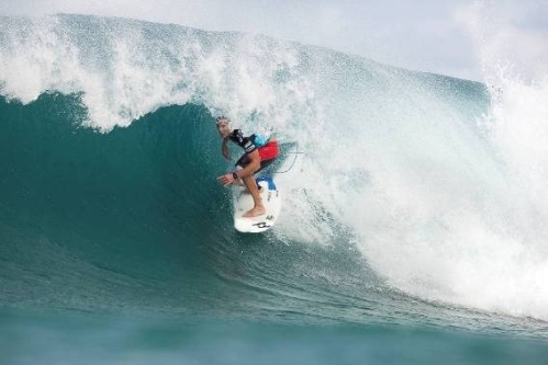 Pictured: Former three-time ASP World Champion and 2004 Billabong Pro J-Bay winner Andy Irons (HAW) demonstrates his tube riding skills. Photo: ASP / Cestari