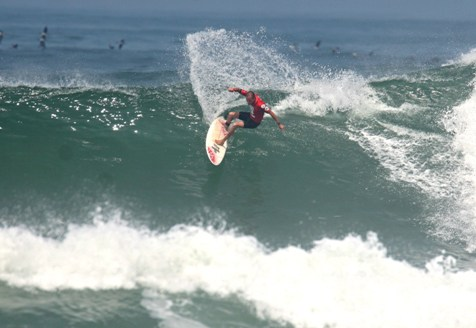 Pictured: Marc Wright on his way to the World Title in the Kahunas (Over 45) division at the ISA World Masters Surfing Championships in Peru in 2008 Photo: Jake White
