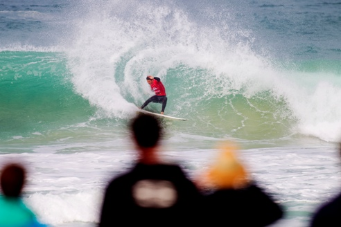 Photo: Jordy Smith was on fire in Round 1 of the Quiksilver Pro France, defeating Australians Luke Stedman and Julian Wilson to advance to Round 3. Credit: ASP Kirstin