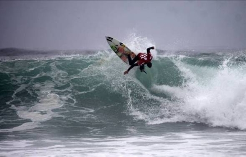 Pictured: SA's Warwick Wright hits the lip of an overhead wave at Caballeros on Day 5 of the 2010 Billabong ISA World Surfing Games in Peru on Sunday. Wright won both his heats yesterday and will be back in action in men's in Repecharge Round 6 today. Photo: ISA / La Torre