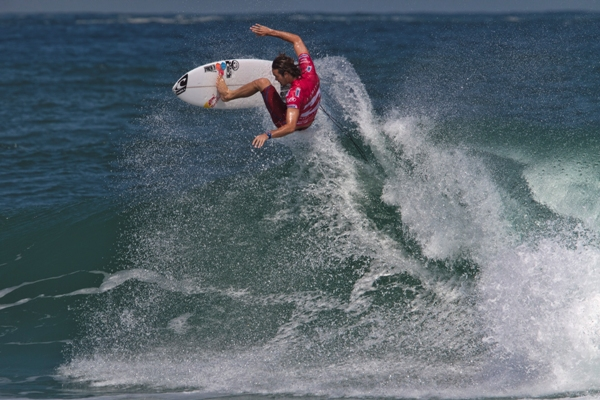 Jordy Smith (Durban) takes to the air on his way to a convincing heat victory on Day 1 of the Billabong Pro Rio yesterday Photo: ASP / Smorigo