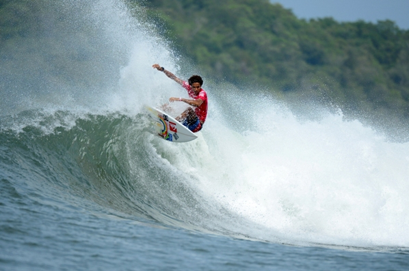 Mikey February, seen here while winning his Round 1 heat on Sunday, will be going all out to place 1st or 2nd in his Round 3 heat today and stay in the qualifying stream at the 2013 Reef ISA World Surfing Games in Panama  Photo: ISA / Tweddle