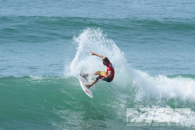 Beyrick de Vries (Umhlanga), 20, in action at the Los Cabos Open of Surfing where he placed second and catapulted up to No. 41 on the ASP World Rankings  Photo: ASP / Shadley