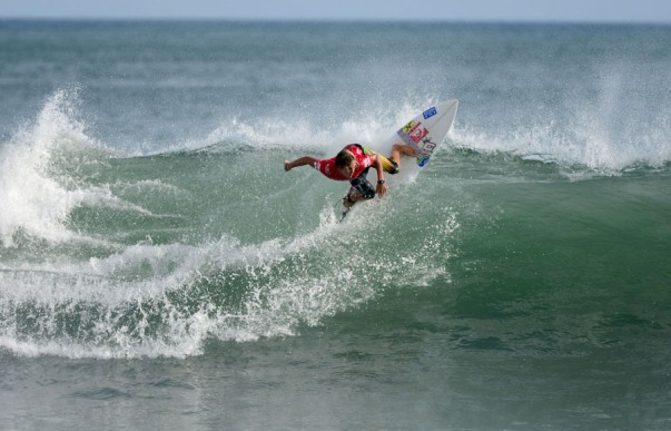 Shane Sykes on his way to victory in his U16 Boys repercharge heat at the DAKINE ISA World Junior Surfing Championships in Nicaragua on Tuesday  Photos: ISA / Tweddle