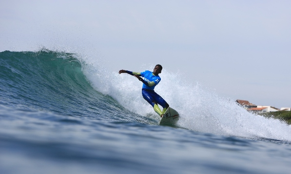 Nthando Msibi (KwaZulu-Natal Central) was one of the standouts on the opening day of the 2013 Hurley SA Junior Champs which got underway at the Lower Point in Jeffreys Bay on Wednesday  Photo: Alan van Gysen / Hurley