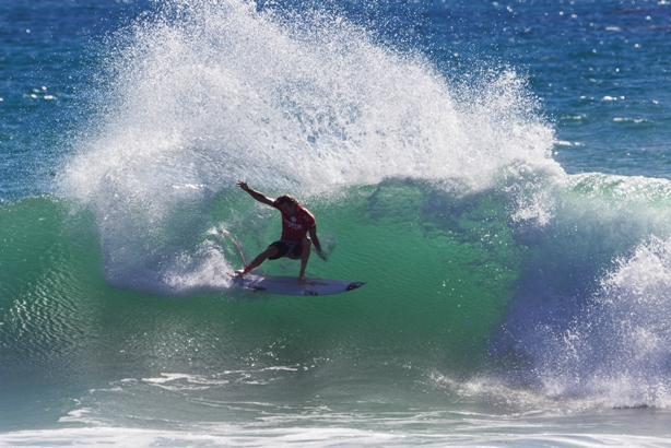 Jordy Smith (Durban) throws a sheet of spray on his way to victory in the Hurley Pro at Trestles in California Image: ASP / Rowland