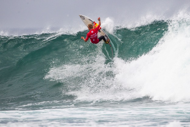 Dylan Lightfoot (Jeffreys Bay) in action at the Allianz ASP World Junior Championships in Portugal on Tuesday  Image: ASP / Poullenot