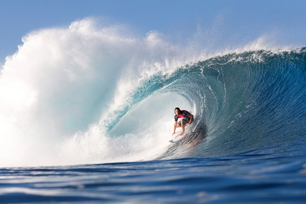Jordy Smith (ZAF) in action at Pipeline. Photo: WSL / Cestari