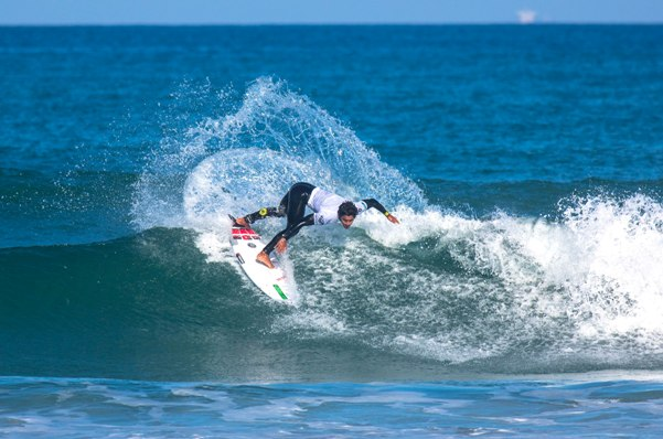 Joaquin Del Castillo (Peru) shows the form that earned him victory in the Cape Town Pro at Big Bay, Bloubergstrand on Sunday Photo: WSL / Van Gysen