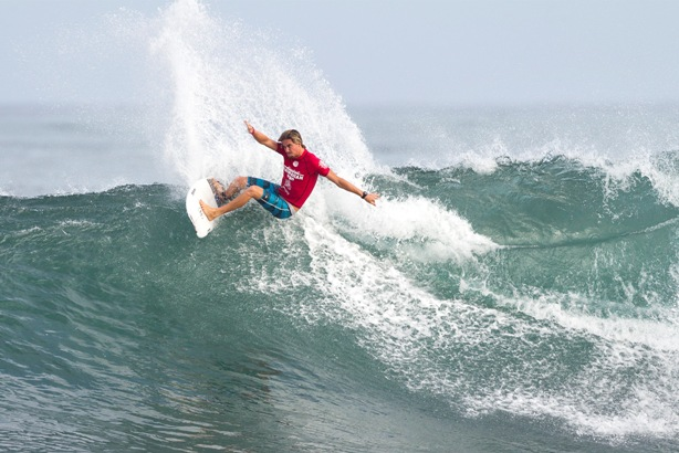 Beyrick de Vries (uMhlanga) is the top seed for the Cape Town Pro at Big Bay, Bloubergstrand on the weekend Photo: WSL / Masurel