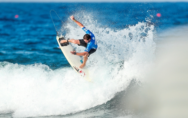 Casey Grant completed this spectacular air reverse to snatch victory in the SSA Ballito Trials and earn a spot in the 2016 Ballito Pro that runs from 27 June to 3 July at Willard Beach in KwaDukuza Photo: WSL / Cestari