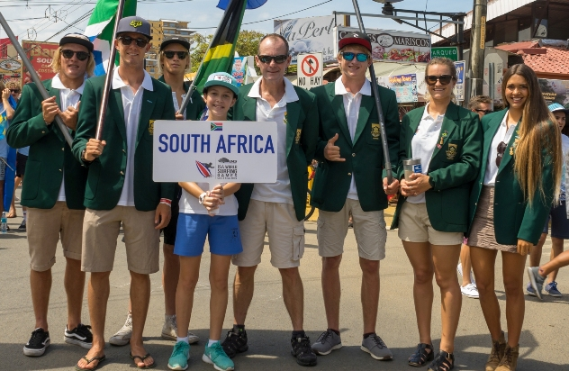 The 2016 South African team who finished 11th at the INS ISA World Surfing Games in Costa Rica on Sunday. (LtR) Shane Sykes, Dylan Lightfoot, Jordy Maree, Johnny Bakker (Manager), Matt McGillivray, Faye Zoetmulder (Captain) and Tanika Hoffman.  Photo: ISA / Evans