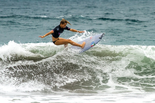 South African surfing team captain Faye Zoetmulder (Cape St Francis) in action during her opening heat at the INS ISA World Surfing Games at Jaco Beach in Costa Rica on Monday  Photo: ISA / Jimenez