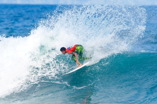 Michael February throws an arc of spray on his way to a career best 3rd place result at the Azores Airlines Pro on Saturday  Photo: WSL / Masurel