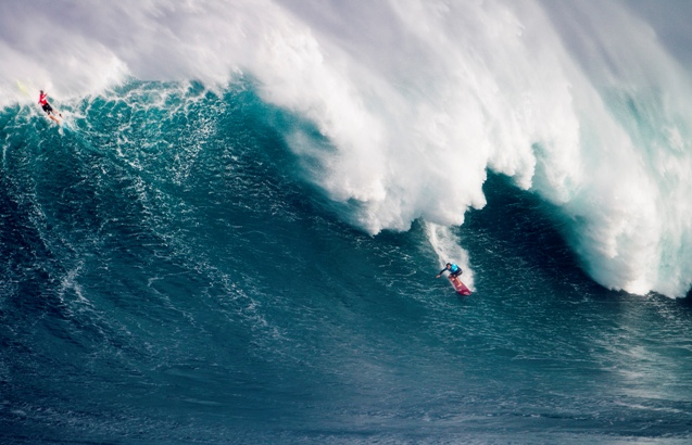 Pictured: Reigning BWT champion Greg Long in action at the inaugural Pe'ahi Challenge in December 2015where he finished third behind Maui locals Billy Kemper and Albee Layer - Photo: WSL / Kirstin
