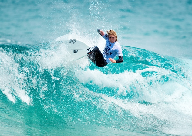 Adin Masencamp (Strand) on his way to winning his Round 1 heat at the WSL World Junior Surfing Championships in Australia Image: WSL / Cestari