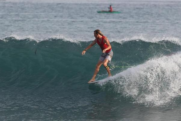 Steve Sawyer (Jeffreys Bay) in action during his Round 3 heat win Photo: WSL / Hain