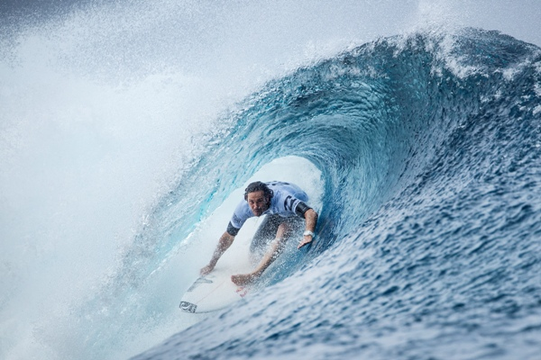 Jordy Smith (Durban) on his way to 3rd place in the Billabong Pro Tahiti and the No. 1 spot on the Jeep Leaderboard Photo: WSL / Cestari