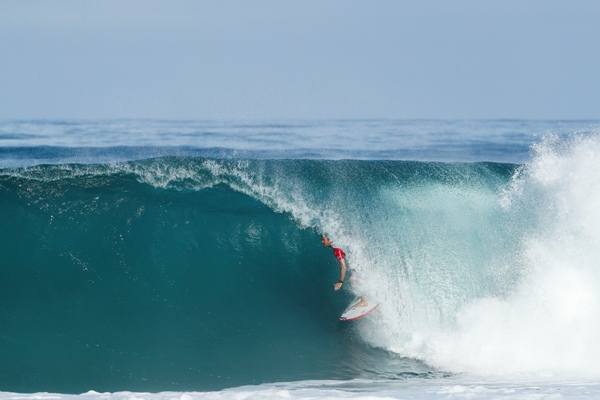 15b38edeeb Kahuna Promotions » Jordy Smith Top Scores on Day 1 of Billabong ...